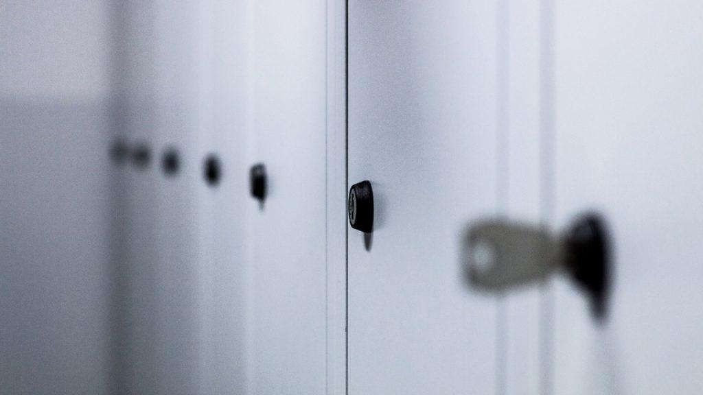Locaux professionnels : les casiers pour les vestiaires sont tellement pratiques